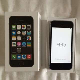 Apple iPhone 5S 32gb Space Grey Unlocked