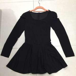 性感黑色小洋裝