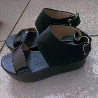 黑色漆皮 後底涼鞋(36)