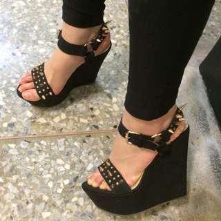 黑色 卯釘 潮流 楔型鞋
