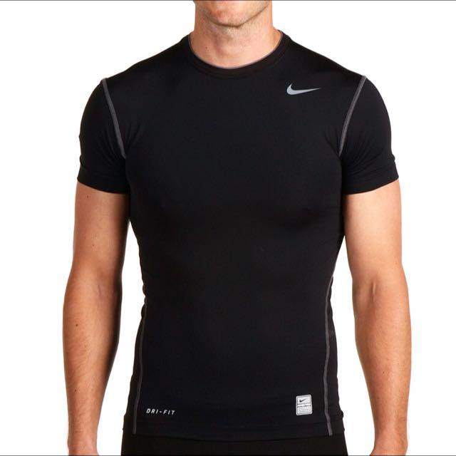 arpón tiempo boca  Nike Pro Combat Dri-Fit Compression t-shirt (Size S), Sports on Carousell