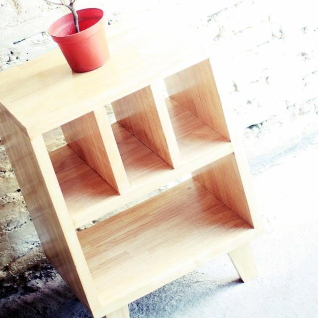 Uno Side Table