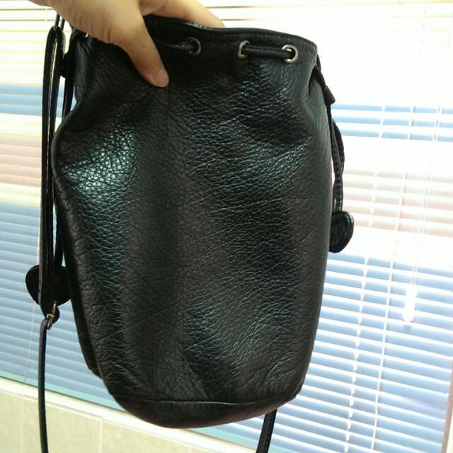 皮革水桶包