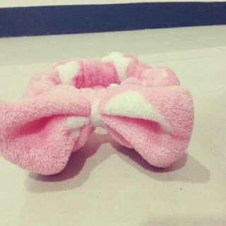 粉紅蝴蝶結髮帶