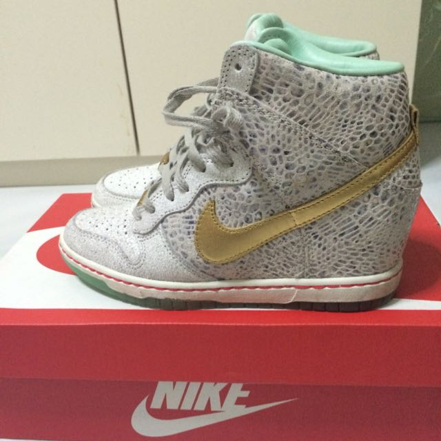 Authentic Nike Womans Dunk Sky Hi Sneaker Wedges Horse Year Edition