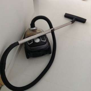 2 Year Old Vacuum Cleaner