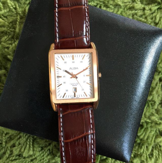 ALBA 亞伯 金色方錶