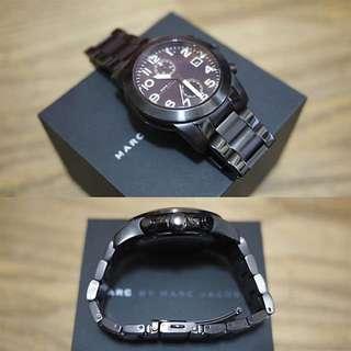 Marc Jacobs Larry 飛行時尚計時腕錶-IP黑/46mm