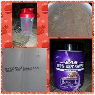 100% EAS Whey Protein  /  20 Oz Gnc Blender Bottle