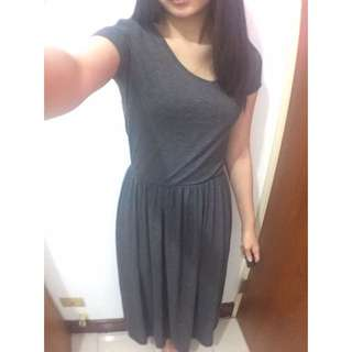 Queen Shop深灰色短袖縮腰長裙