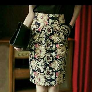 Floral Prints Pencil Skirt