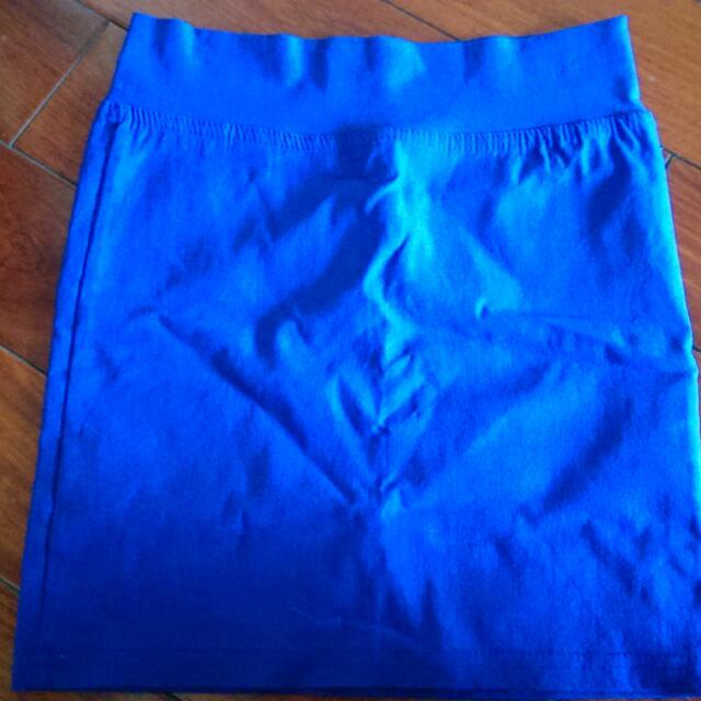 全新Queen Punch寶藍短裙