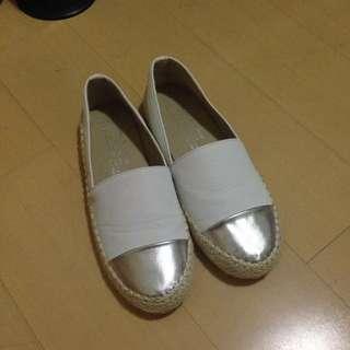 全新39號 小白鞋