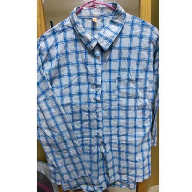 淺藍格子襯衫