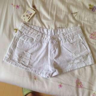 全新白短褲(夏天一定要有一件!)