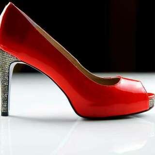 亮鑽高跟鞋