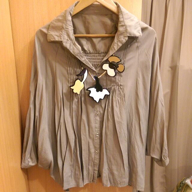 韓國帶回滑面布料卡其斗篷襯衫