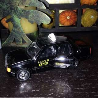 トミカ小模型車