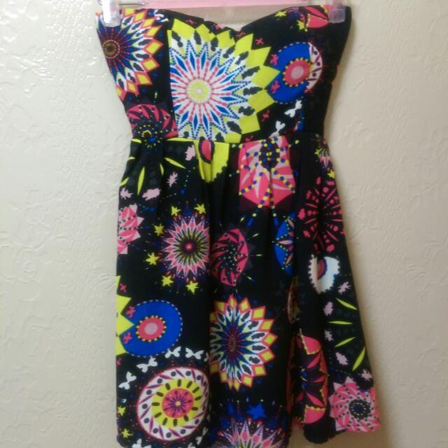 民族風圖騰,平口性感小洋裝。