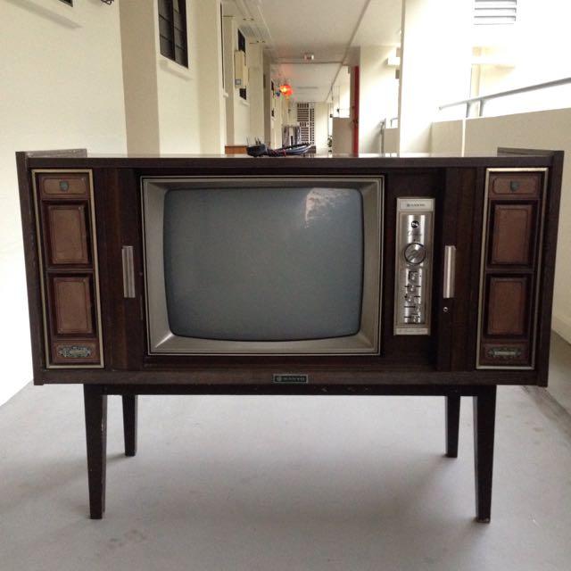Reserved-Vintage Sanyo TV Cabinet