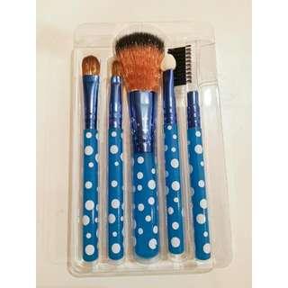 5 Piece Polka Dot Brush Set Brand NEW