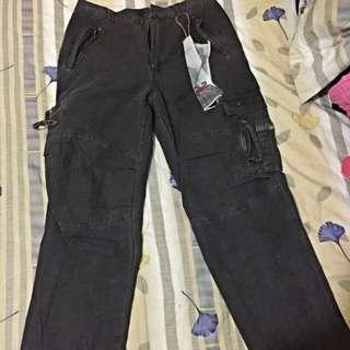 拉鍊造型工作褲 做舊處理。Size. L