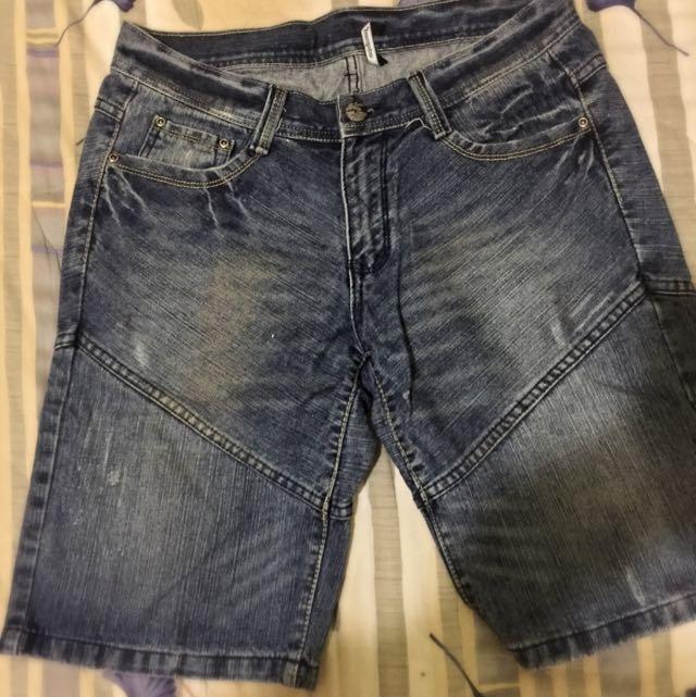 牛仔短褲 Size 32