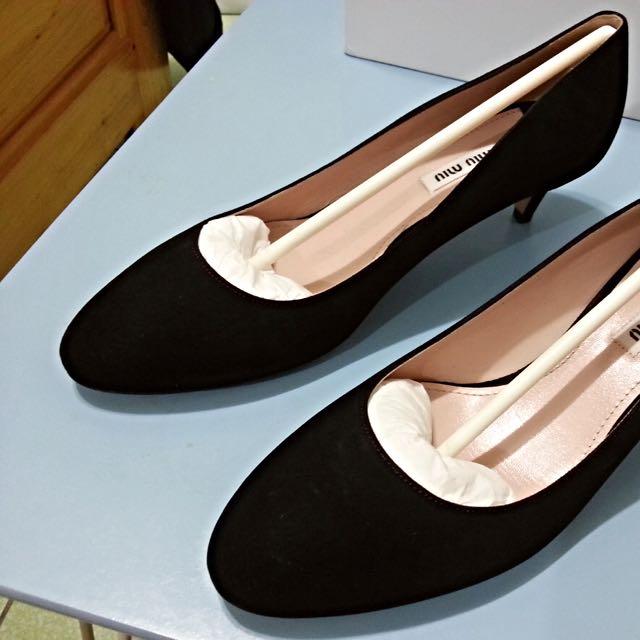 Miumiu低跟包鞋(降價促銷)