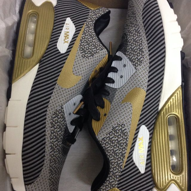 Nike Air Max 90 Jacquard Gold Trophy, Men's Fashion on Carousell