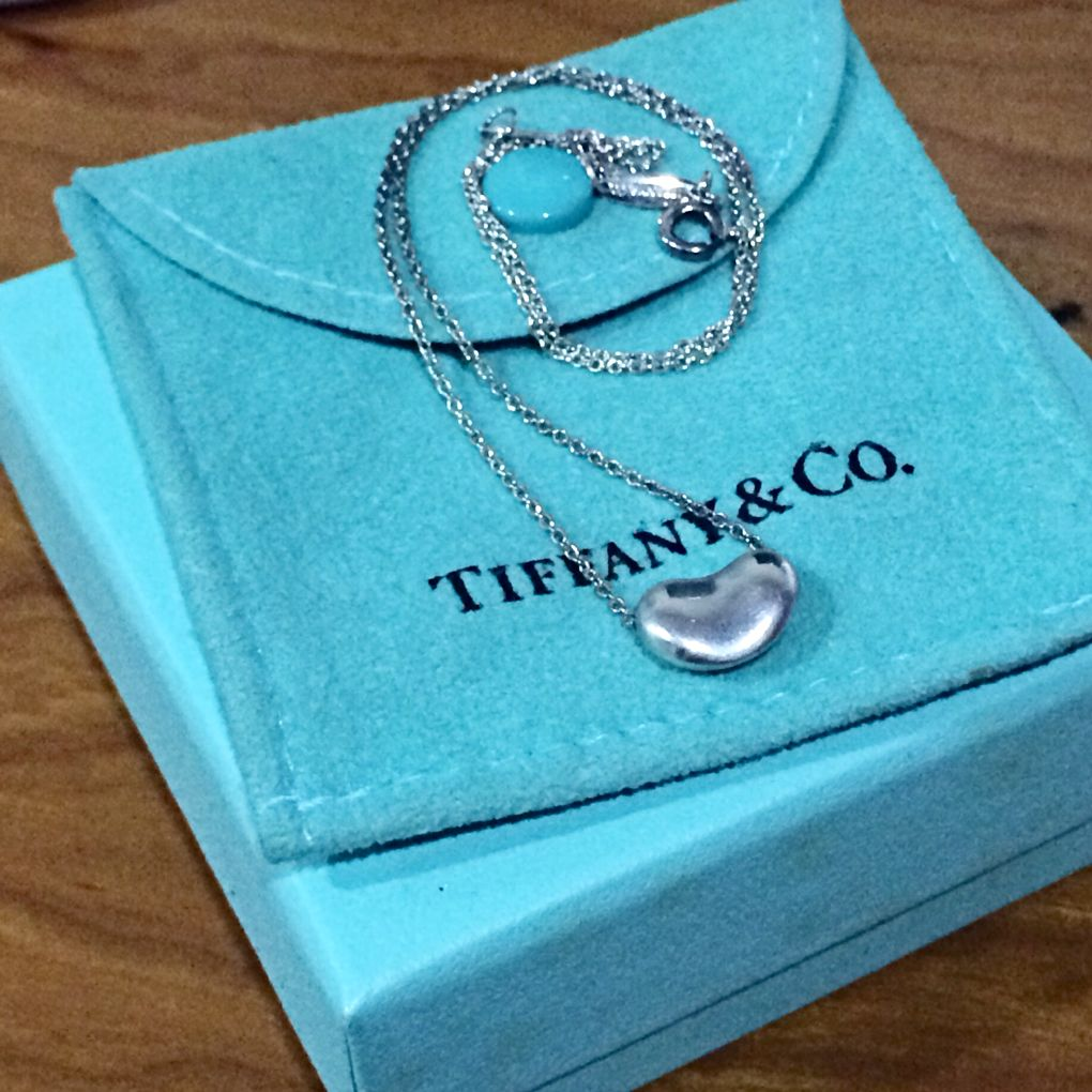 12f5d650f 💯 Tiffany & Co. Sterling Silver Elsa Peretti Small Bean Necklace, Luxury  on Carousell