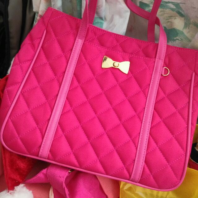 BRAND NEW Pinky Handbag