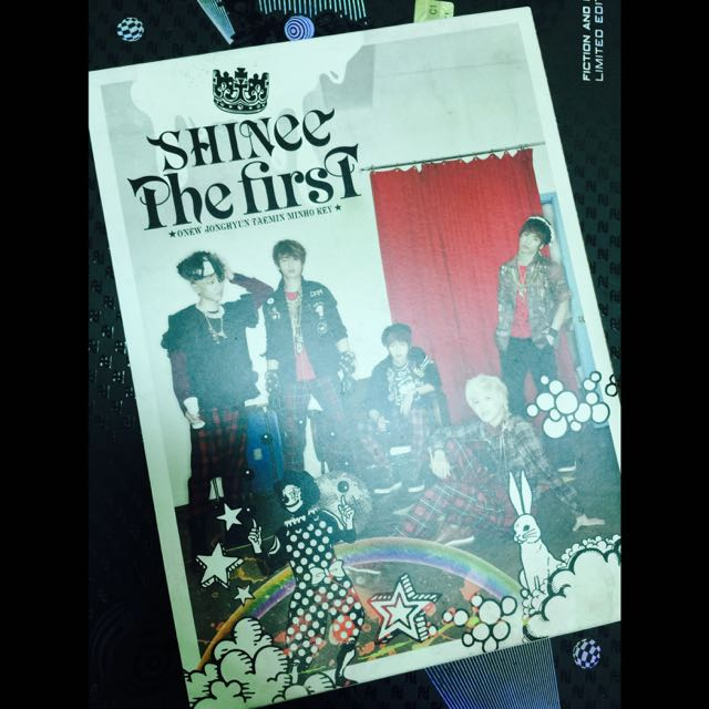 SHINee[The First 首張日文正規專輯 初回生產限定盤 日版]