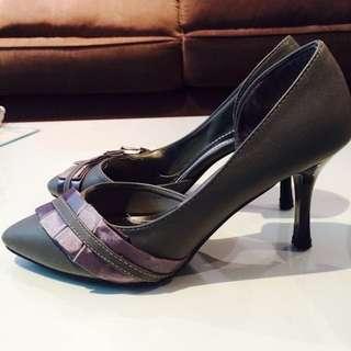 [NEW] Grey Heels