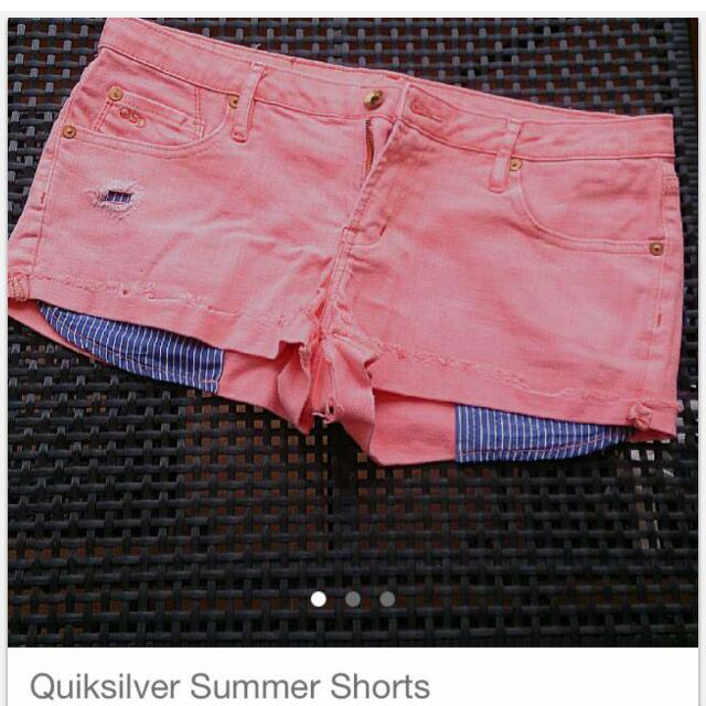 QUILKSILVER Shorts