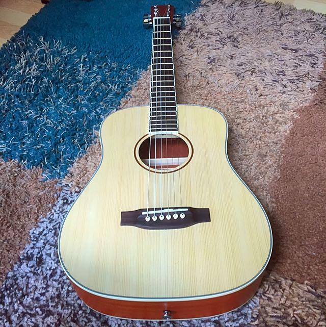 Kimo Acoustic guitar with Bag
