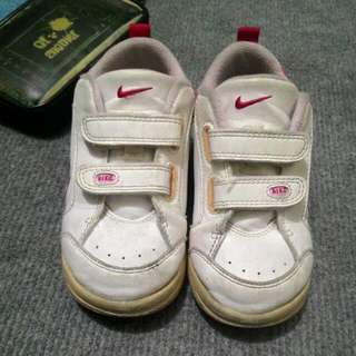 二手含運。NIKE童鞋 7.5