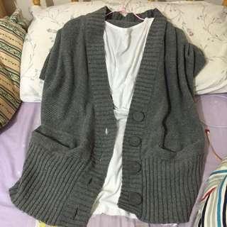 正韓針織厚毛料短袖罩衫