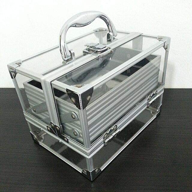 Sold Clear Makeup Box 21 X 14 5 X 14 5 Cm Health Beauty On