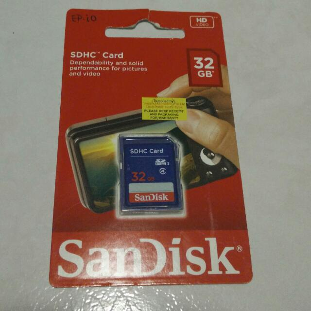 BRAND NEW -- SD memory card