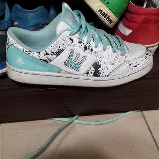 DADA板鞋