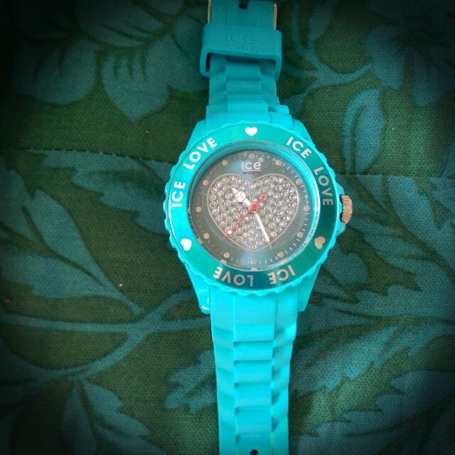 ICE鑲鑽愛心錶