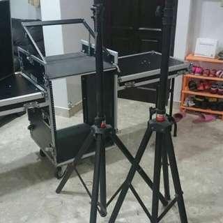 Flight Case For Consoles/Mixers  + 2 Speaker Stands