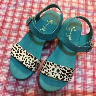 Grace Gift 夏日風動物紋厚底涼鞋