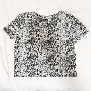 H&m textured black and white top