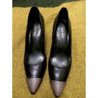Nine West 尖頭 金屬 黑色 低根 高跟鞋