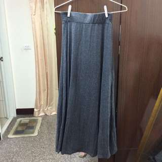 全新 深灰長裙
