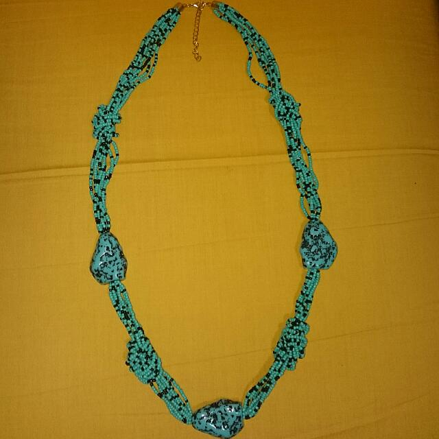 Price Reduced! BN BEADED NECKLACE 002