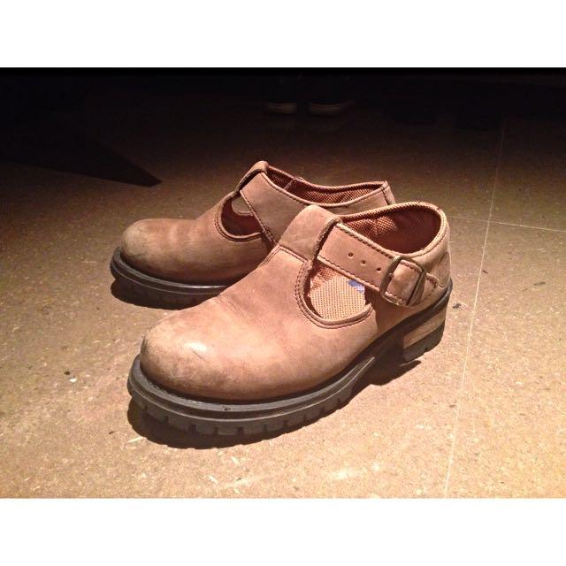 Vintage Shoes 24