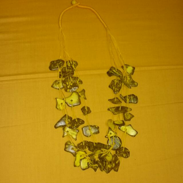 Price Reduced! BN BEADED NECKLACE 010