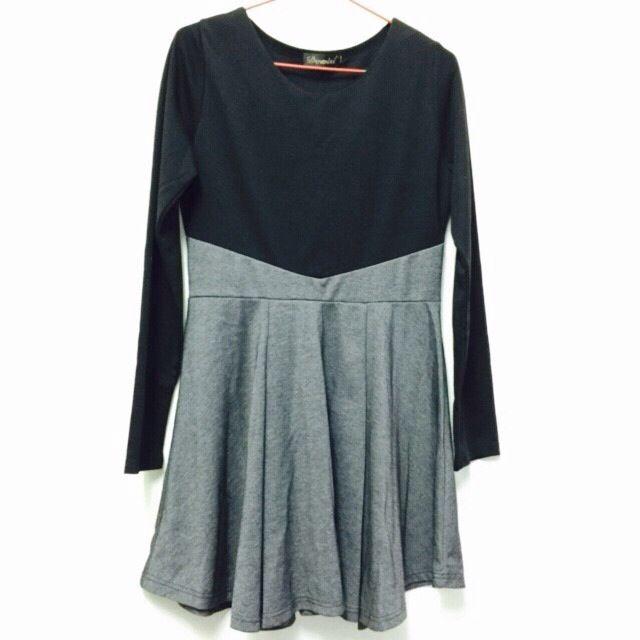 黑灰拼接寬擺連衣裙